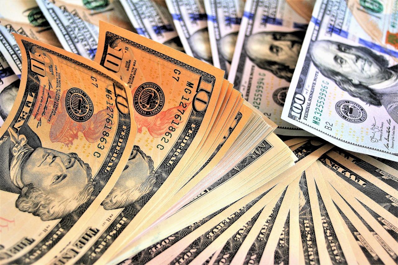 How to make money fishing