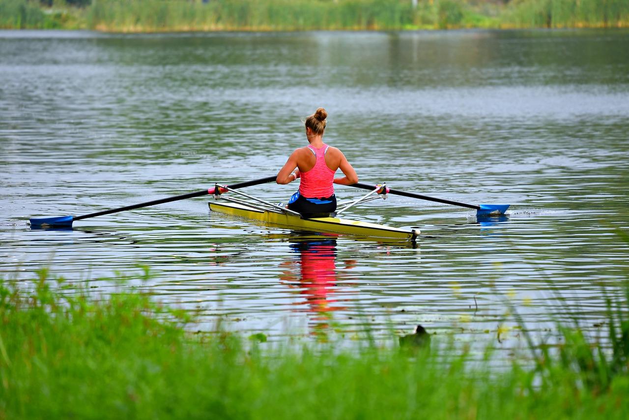 How to repair a fiberglass canoe | Hang Out Ninja